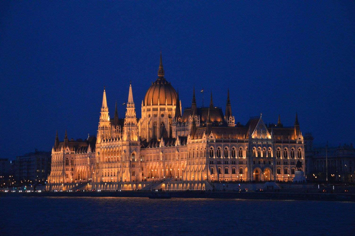 Parlamento di sera