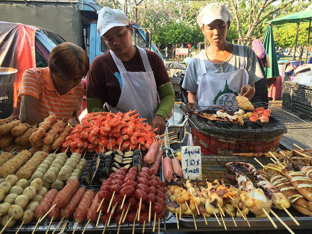 Mercato di Tha Tian