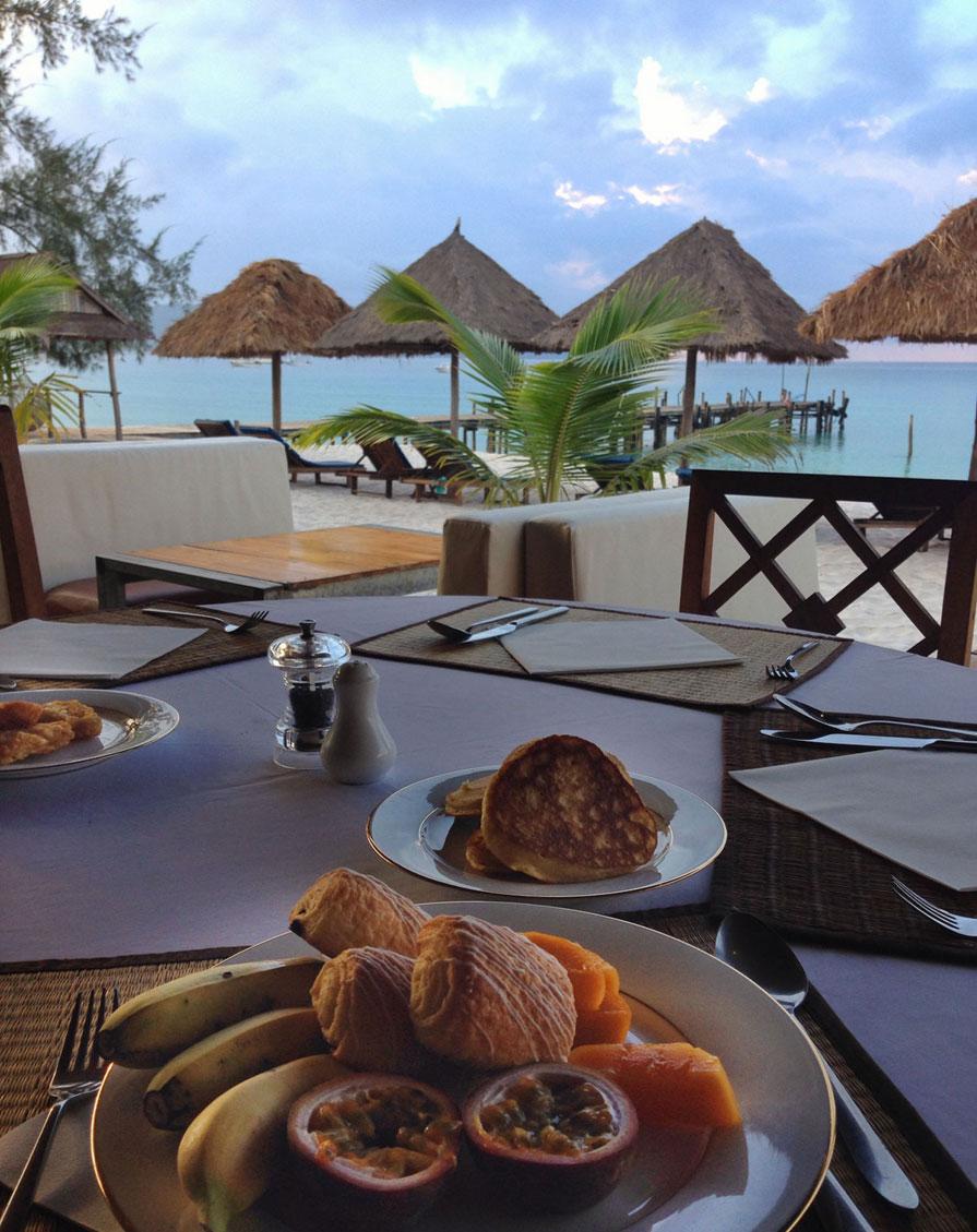 Colazione a Sok Sah beach